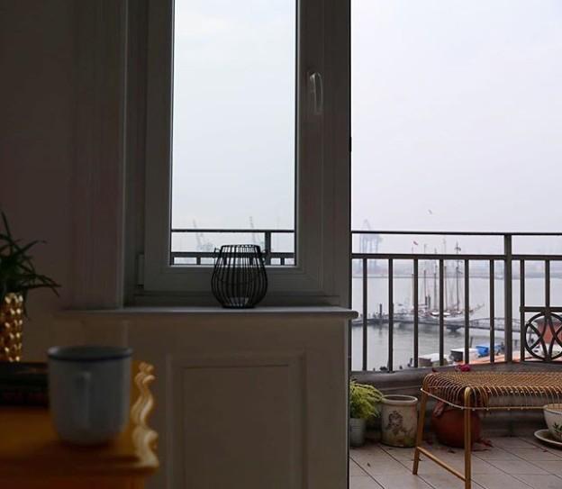 Grey Hamburg ️ Hello Sunday ️ Endlich mal wieder gut geschlafen und für die Sortierung meiner Gedanken werde ich heute einen absoluten Me-Tag planen  Hab ich grad so beschlossen.Man muss sich selber eben auch mal in den Mittelpunkt stellen  Happy Sunday