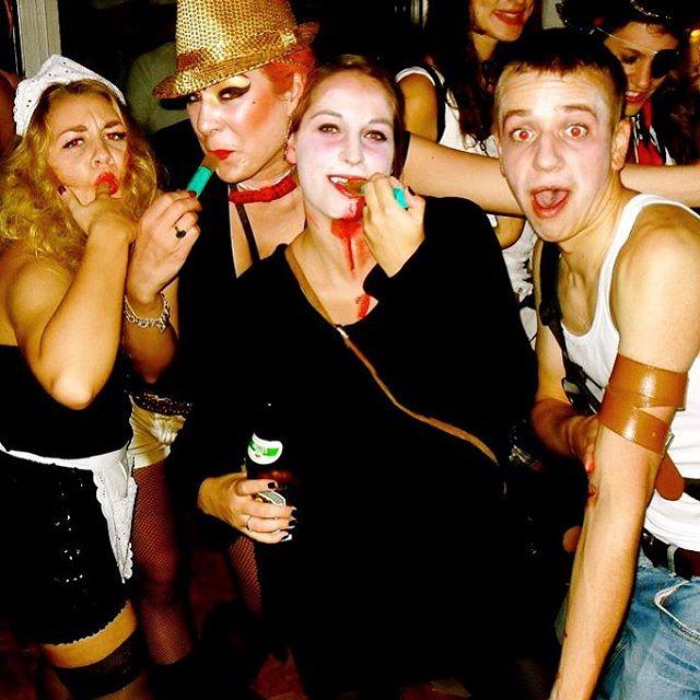 Happy Halloween  Etwas her @koeniglichesleben @missmunixh und immernoch soooo gut ️