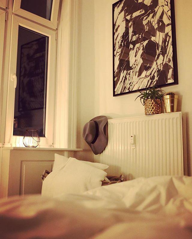 for Achja und für meinen Nachnamen  Es war ein langer Tag - Good Night Hamburg.