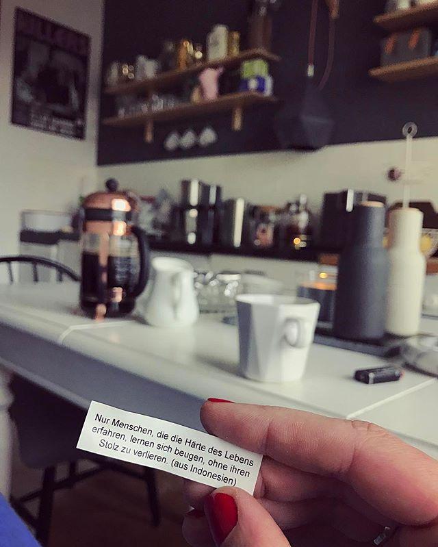 Ich geh euch damit bestimmt schon auf den Wecker Aber ich bin doch immer wieder überrascht von den Weisheiten Jetzt hier so... Coffeebreak ️
