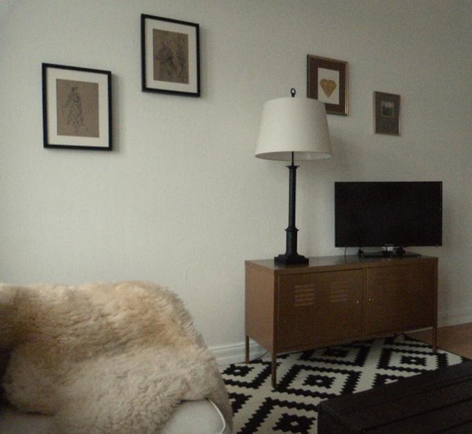 schwarz ist das neue wei wohnzimmer verdunkelt elbgestoeber. Black Bedroom Furniture Sets. Home Design Ideas