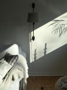 Wandlampe mit neuem Textilkabel und Stecker