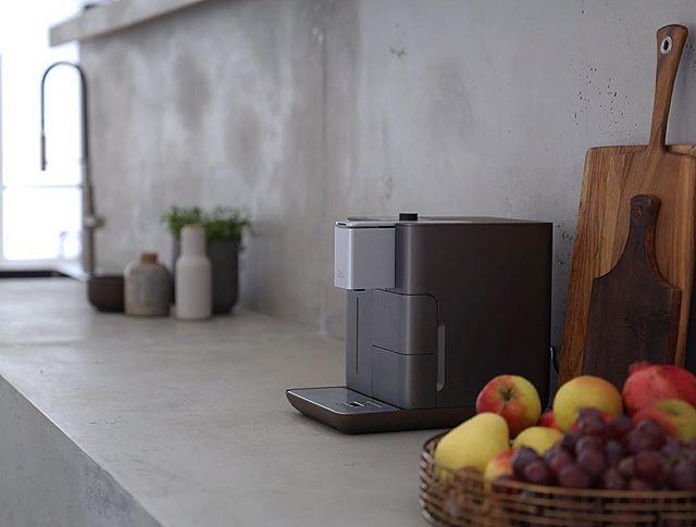 Die Verlosung um eine dieser prachtvollen Kaffeeexperten von @qbo.coffee läuft noch bis heute Nacht ️ Also ran da! ️ Scrollt einfach ein paar Bilder im Profil runter - da findet ihr die Mitmachanleitung ☘️Ich gönn mir jetzt gleich auch noch einen Kaffee  Happy Sunday!