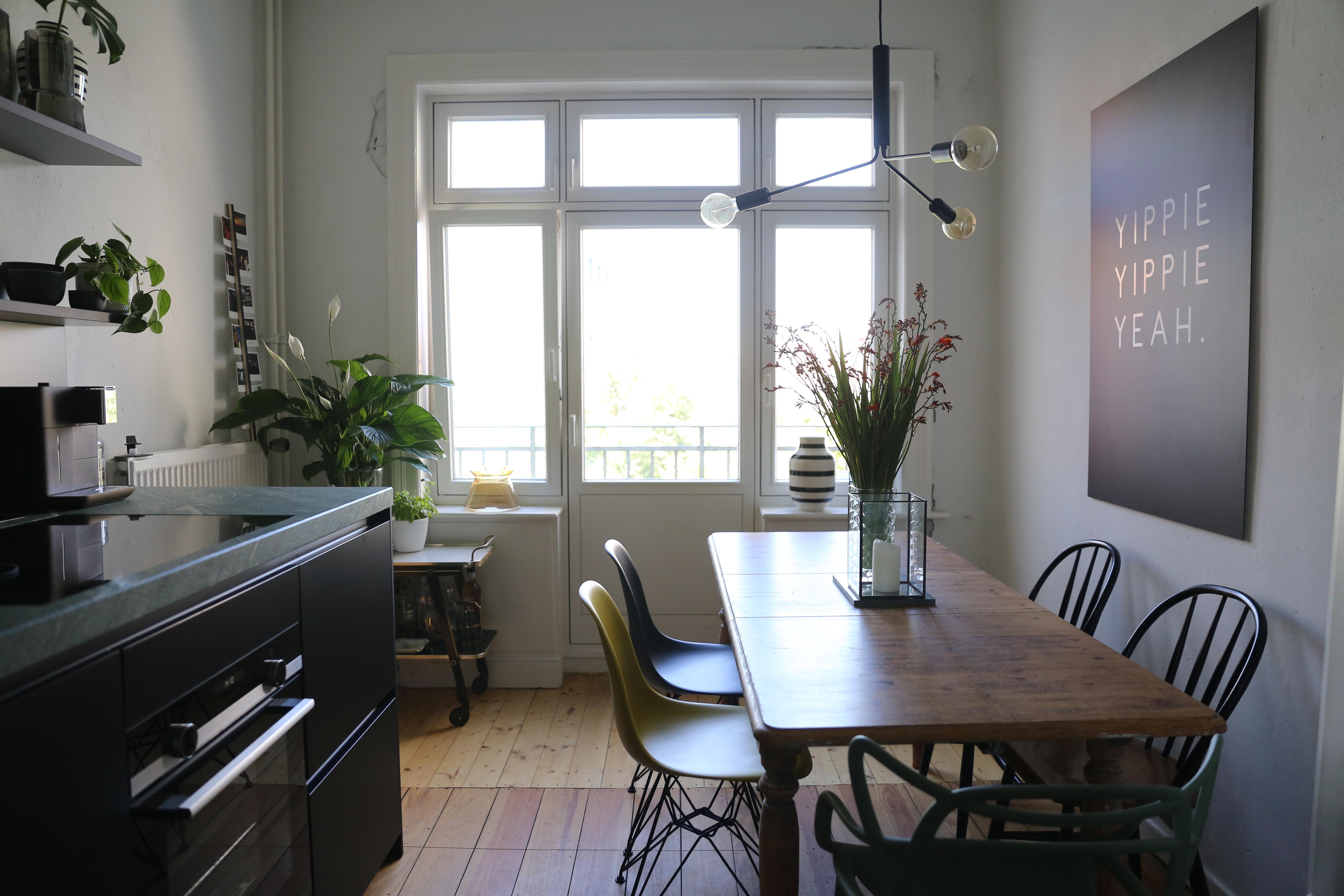 chairmania neue klassiker f r die k che elbgestoeber. Black Bedroom Furniture Sets. Home Design Ideas